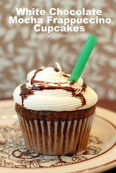 White Chocolate Mocha Frappuccino Cupcakes - mocha cupcakes topped with white chocolate frosting Cupcake Flavors, Cupcake Recipes, Baking Recipes, Dessert Recipes, Fondue Recipes, Top Recipes, Coffee Recipes, Copycat Recipes, Mocha Cupcakes