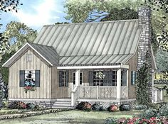 Bungalow House Plan with 1178 Square Feet and 2 Bedrooms(s) from Dream Home Source | House Plan Code DHSW19323