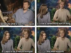She likes dolphins. Cast of Peter Pan 2003 version Peter Pan Movie, Peter Pan Disney, Peter Pan 2003 Cast, Disney Songs, Disney Memes, Disney Quotes, Peter Pan Live Action, Jeremy Sumpter Peter Pan, Robbie Kay Peter Pan