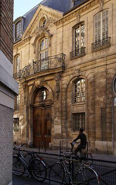 Le Marais, Rue des Francs Bourgeois, Hôtel d'Albret, Paris III