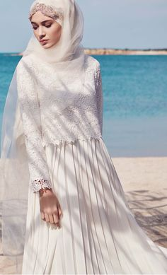 Super Cute Muslim Wedding Dresses with Hijab Y Muslim Wedding Gown, Muslimah Wedding Dress, Modest Wedding Gowns, Muslim Wedding Dresses, Muslim Brides, Muslim Dress, Bridal Dresses, Wedding Abaya, Malay Wedding Dress