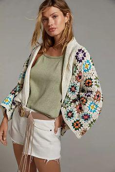 Granny Square Sweater, Short Kimono, Striped Scarves, Crochet Cardigan, Crochet Sweaters, Wrap Cardigan, Long Shorts, Crochet Clothes, Knitwear