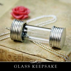 Glass Wedding Keepsake Amulet with Precious Metal Plating. The Secret Keeper with Removable cap from Annie Howes. #wedding