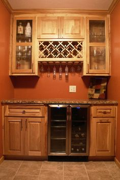 Hickory Bar - traditional wine cellar