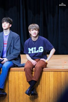 He looks soo small beside Yunho Yg Entertainment, Rapper, Fandom, Kim Hongjoong, Inspirational Celebrities, Kpop, K Idol, One Team, Most Beautiful Man