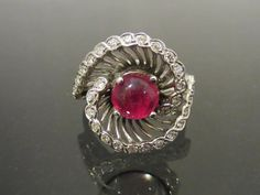 Vintage 1940s 14K Solid White Gold 1.73ct Genuine Ruby Cabochon & Diamond Swirly Ring ...Marked 14K..Total of weights 6.6grams..Size 8.25..With
