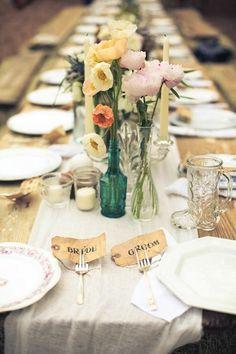 DIY Woodsy Wonderland Wedding Table by Laurel White Design, photo: Tyler Metcalfe Deco Buffet, Deco Table, Boho Wedding, Wedding Flowers, Dream Wedding, Wedding Rustic, Floral Wedding, Summer Wedding, Wedding Decorations