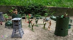 Plastic toy soldiers videos for kids
