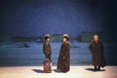 Jonas Bendiksen. RUSSIA. Birobidzhan, The Jewish Autonomous Region. 1999.  People waiting for the morning bus in the freezing winter.