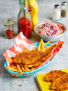 KFC Fakeaway - Pinch Of Nom Cooking Time, Cooking Recipes, Crockpot Recipes, Chocolate French Toast, Slimming World Recipes Syn Free, Pinch Of Nom, Lunch Box Recipes, Xmas Recipes, Dishes Recipes
