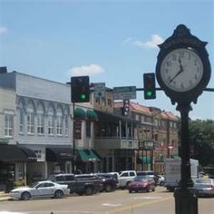 Starkville, MS Finished college with two little girls running around and my last hours) pregnant with my oldest son. Starkville Mississippi, Mississippi Delta, Mississippi State Bulldogs, Places To See, Places Ive Been, Southern Pride, Free Vacations, Girl Running, Small Towns