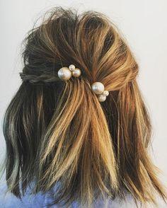 Cheveux mi longs ornés de perles automne-hiver 2017 - Cheveux mi-longs : nos idées de coiffures tendances - Elle