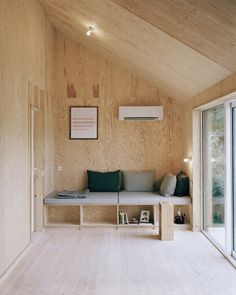 Plywood interior -  Built in bench seat - Scandinavian interior - Nesting time