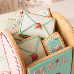 Mailbox cookie cookies Valentine's Day Valentine's Day Sugar Cookies, Sugar Cookie Royal Icing, Fancy Cookies, Iced Cookies, Cute Cookies, Cupcake Cookies, Summer Cookies, Flower Cookies, Heart Cookies