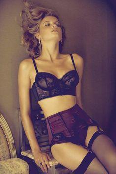 Nuisettes, porte-jarretelles, serre-taille... Une lingerie délicieusement rétro pour une séduction assumée