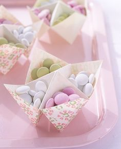 Contenitori per confetti multicolor