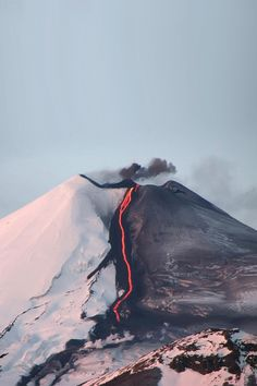 of erupting volcano.half the snow gone, seemingly right in half of the volcano. of erupting volcano.half the snow gone, seemingly right in half of the volcano. All Nature, Amazing Nature, Science Nature, Volcan Eruption, Beautiful World, Beautiful Places, House Beautiful, Beautiful Pictures, Monte Fuji
