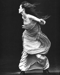 """""""A Windy Summer"""" by Peter Lindbergh Vogue Italia 1999 Peter Lindbergh, Dance Photography, Portrait Photography, Fashion Photography, Glamour Photography, People Photography, Lifestyle Photography, Editorial Photography, Poesia Visual"""