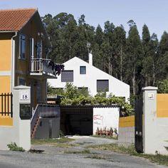 ¡Cuidado! La casa cuarto y mitad se asoma #arquitectura #galicia
