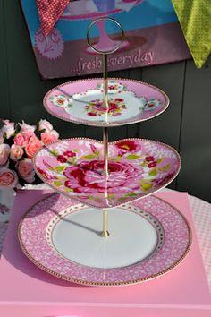 cake stand heaven: PiP Studio New Heart Shaped Plate Cake Stand