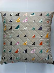 modern quilting designs Patchwork n Play: MQPS. Patchwork Quilt Patterns, Modern Quilt Patterns, Patchwork Pillow, Quilted Pillow, Mini Quilts, Scrappy Quilts, Quilt Baby, Quilting Projects, Sewing Projects