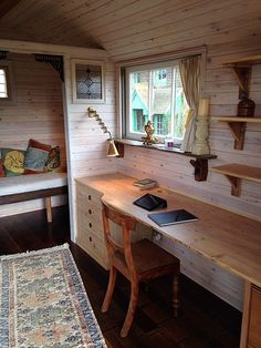 """I think """"Maiya's room"""" could handle a long desk and office space like this Garden Home Office, Cabin Office, Shed Office, Backyard Office, Home Room Design, House Design, Corner Summer House, Rustic Shed, Studio Shed"""