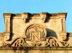 Edificios de Papel: Escudo de Ourense: Obispo Cesáreo Rodrigo