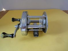 Vintage Shakespeare Fishing Reel No. 1924 Made by John Inglis Toronto Shakespeare Fishing, Vintage Fishing Reels, Tin Toys, Vintage Toys, Toronto, Vintage Jewelry, Collections, Antiques, Sports