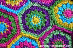 http://laurelcrafter.blogspot.com/2015/02/the-new-grandmas-knickknacks-hex-motif.html free tutorial!