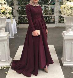 Evening dresses hijab ür @ zarafetmoda Source by Hijab Prom Dress, Hijab Evening Dress, Muslim Dress, Evening Dresses, Hijab Outfit, Hijab Gown, Modest Dresses, Bridal Dresses, Bridesmaid Dresses