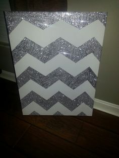 Easy to do, so simple but can be a main piece. Do it to a canvas, chalkboard or a cork board!