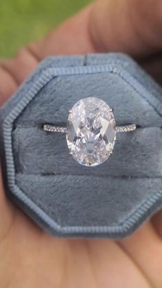 size US 6.5 7.5mm white Princess Cut Moissanite 1.6 Carat in 925 Silver with pave white topaz