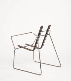 Chaise unique | chaise contemporaine | design chair | design | unique style | different | very minimalistic | fil de fer |