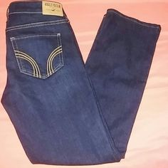 HOLLISTER JEANS SIZE 26X25.5 NEW FLASH SALE HOLLISTER BRAND NEW WITHOUT TAGS HEMMED TO 25.5 LENGTH ORIGINAL 33 LENGTH DARK BLUE ZIP FLY BUTTON CLOSURE BELT LOOPS HAS STRETCH TO THEM ANYMORE QUESTIONS PLEASE ASK Hollister Jeans