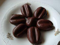 Kávové zrná :: Nebíčko Lotus, Beans, Fruit, Vegetables, Food, Lotus Flower, Vegetable Recipes, Eten, Veggie Food