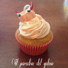 SPECIALE HALLOWEEN NEW CUPCAKE SPEZIATO ALLA ZUCCA con una zucca malefica #CUPCAKE #halloween #solocosebuone #bakery #torte #cake #yummy #sugar art #patisserie #desserts #sweettooth #chocolate #eat #yum #delicious #tasty #hungry #yum #icecream #foodpics #TagsForLike