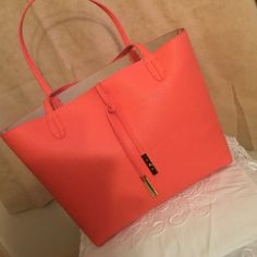 ❤️Brand new Steve Madden tote This tote is brand new and super big!! Ready for the beach or even a night out!! The coral color is summer readyThis won't last long Steve Madden Bags Totes