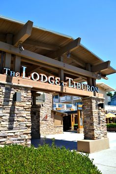 The Lodge at Tiburon is a relaxing place to visit during a trip to the Bay Area. This Northern California hotel has everything you need for a peaceful family vacation! Ireland Vacation, Ireland Travel, Galway Ireland, Cork Ireland, California Travel, Northern California, Sightseeing In San Francisco, Tiburon California, Asia Travel