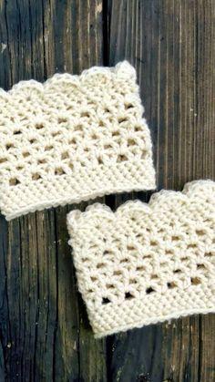 Handmade scalloped edge lacy boot cuffs in cream. by iheartorganix