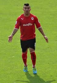 """""""Gary Medel"""" is a soccer player from chile Cardiff City, Hard Men, Soccer Players, World Cup, Southern Prep, Chile, Football, Running, Fitness"""