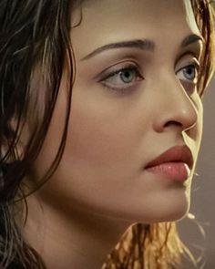 Aishwarya Rai Young, Aishwarya Rai Pictures, Aishwarya Rai Photo, Bollywood Pictures, Most Beautiful Eyes, World Most Beautiful Woman, Gorgeous Eyes, Most Beautiful Indian Actress, Beautiful Actresses