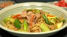 How to Make Yakisoba - Cooking With Dog