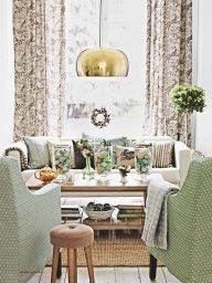 "I saw this in ""April 2015"" in Homes & Gardens April 2015."