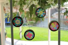 Sun Catchers: A Kids Craft DIY. This simple craft will bring light into your room and heart. Kids Crafts, Easy Arts And Crafts, Crafts For Seniors, Holiday Crafts For Kids, Kids Christmas, Sun Catcher, Mason Jar Crafts, Mason Jar Diy, Stained Glass Birds