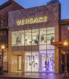 676f2b38892 Chicago Store, Store Fronts, Store Design, Versace Store, Visual  Merchandising, Luxe