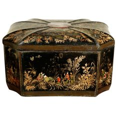 A Chinese Export Lacquer Box, c. 1820 China c. 1820 A Rare Large Scale Chinese Export Lacquer Box, c. 1820, octagon shape with beautiful details