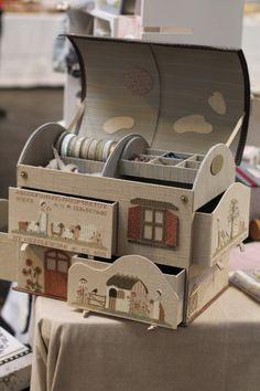 """ Je vous emmene à Dole. Diy Cardboard Furniture, Cardboard Crafts, Sewing Case, Sewing Box, Creative Box, Studio Organization, Fabric Boxes, Pencil Boxes, Baby Keepsake"