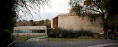 Casa TM - Esteban Barrera, Javier Lozada, Andres Tey - Córdoba, Argentina - 2011 Garage Doors, Architecture, Outdoor Decor, Plants, House, Cordoba, Argentina, Architectural Firm, Architects