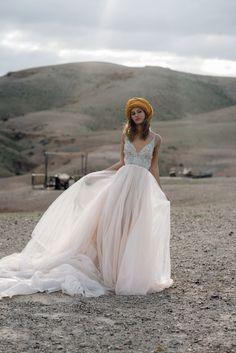 Galiah Lahav Bridal Shoot at Scarabeo Camp in Marrakech Wedding Hair Flowers, Wedding Gowns, Camp Wedding, Wedding Desert, Vow Renewal Dress, Moroccan Wedding, Moroccan Dress, Bridal Shoot, Boyfriends