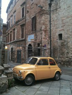 🌟Tante S!fr@ loves this📌🌟Perugia / Italy / Fiat 500 Fiat Cinquecento, Fiat Abarth, Perugia Italy, Umbria Italy, My Dream Car, Dream Cars, Good Looking Cars, Fiat 600, Car Colors